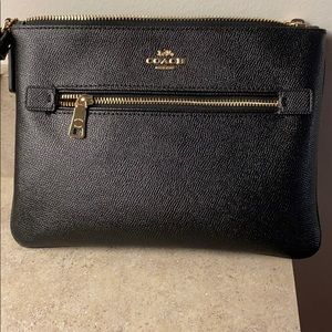Coach gallery pouch